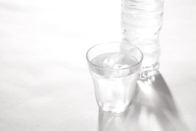 【硬水・軟水・アルカリ水】日常におすすめの飲料水は?