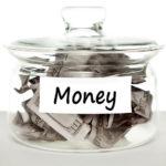 20代・30代・40代の年齢別平均貯金額と毎月の貯金額とは